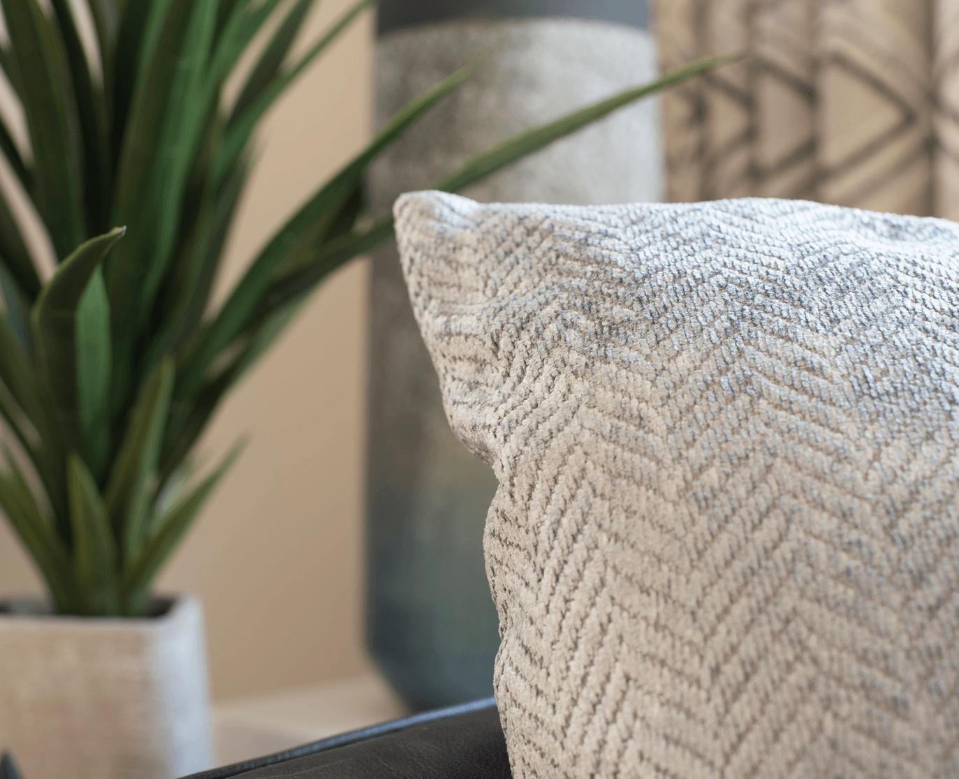home-decor-trends-spring-2018-pillow-image